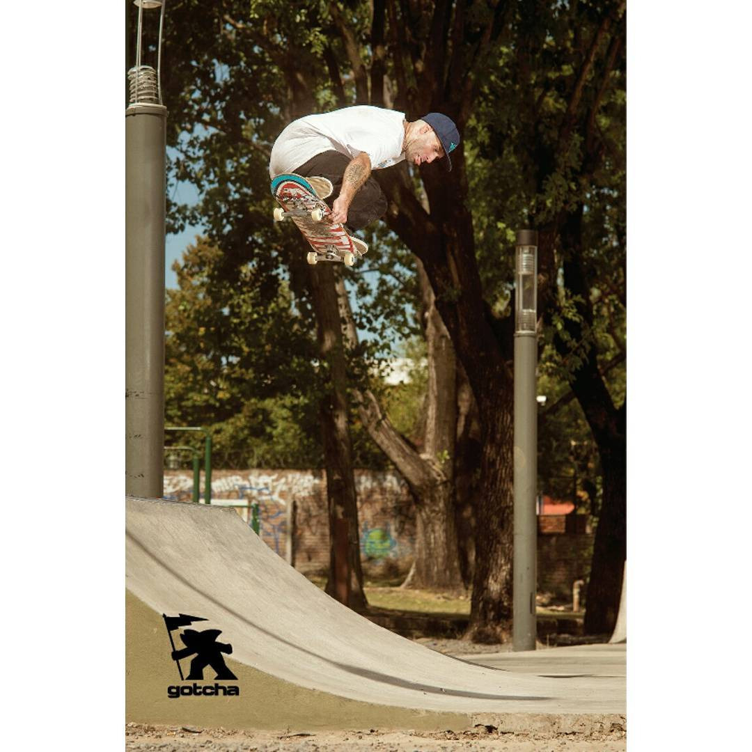 Juano Wallace Japan - Pza. Haiti Ph: Ignacio Morresi  #gotcha #Skateboarding #iconsneverdie