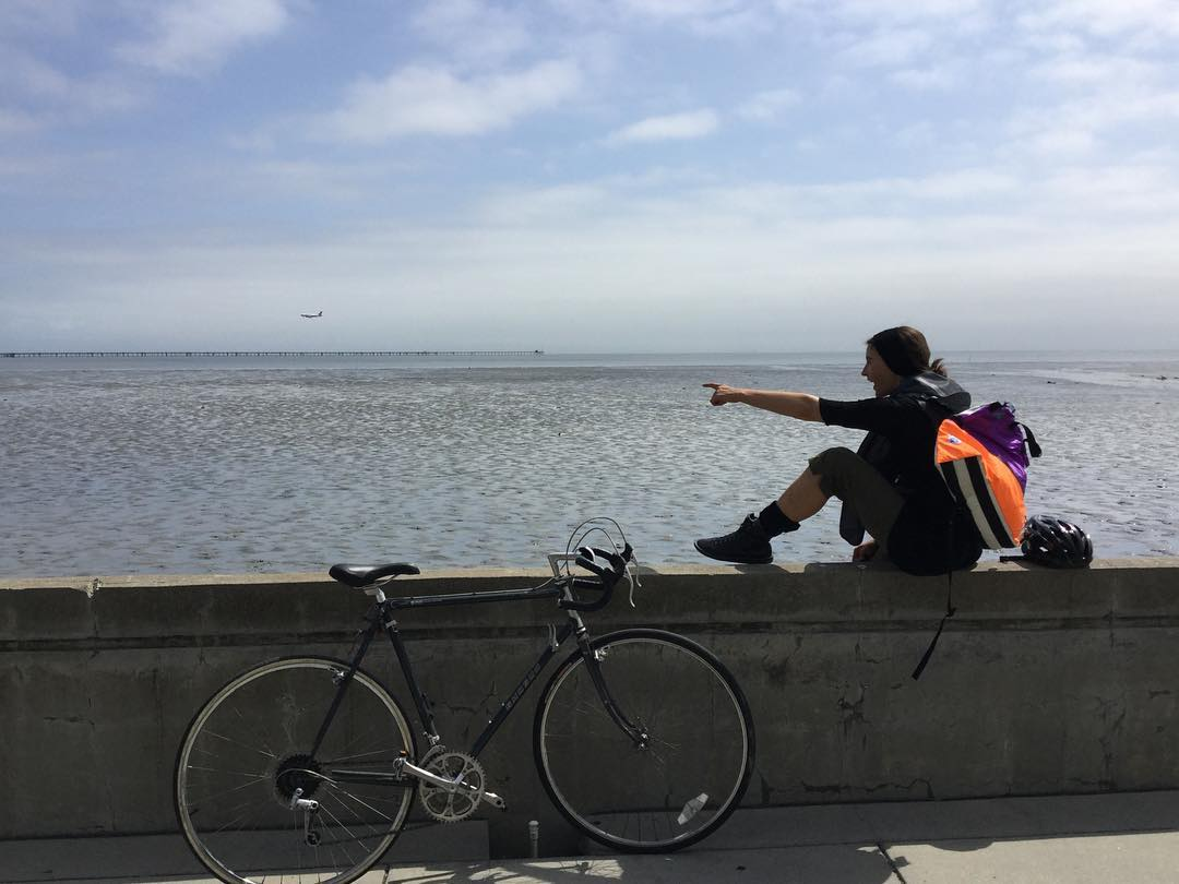 Halfway there, we are having a break next to SFO landing strip *is that how it's called?* #biketowork #mafiamessenger