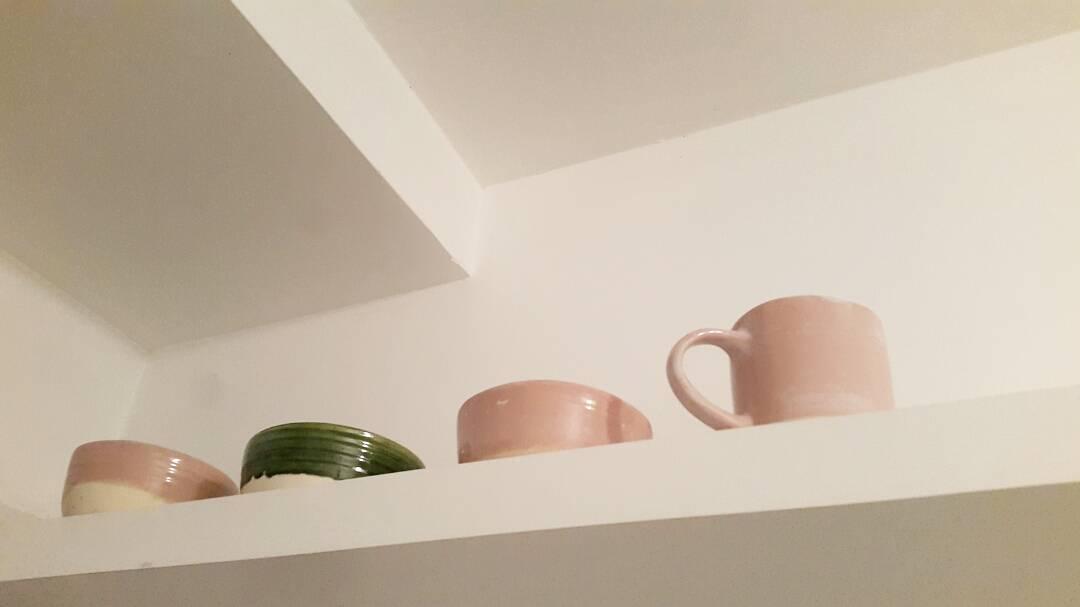 Que lindo entrar a una casa y encontrar bowls y tazas de #casamambo .