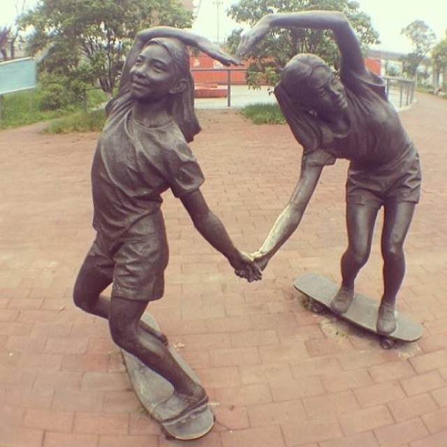 Rad statues. Anyone have a clue where they're located? Deck on the left looks like a @tonyhawk. What about the one on the right? #skateboarding #skate #skatelife #skatergirls #art