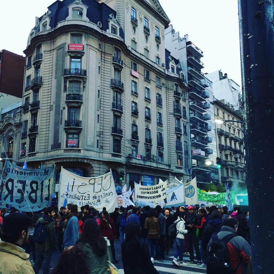 Marchando por la educación pública!! Cc @auandreaurquizu vamos #ubadepie