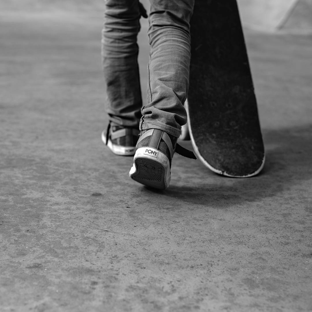 •Go The Extra Mile•  Ph: @chinacarracedo  #sneakerporn #sneakers #sk8 #skateboarding #lifestyle #blackandwhite #picoftheday #likeforlike #kickstagram #shoestagram #photography