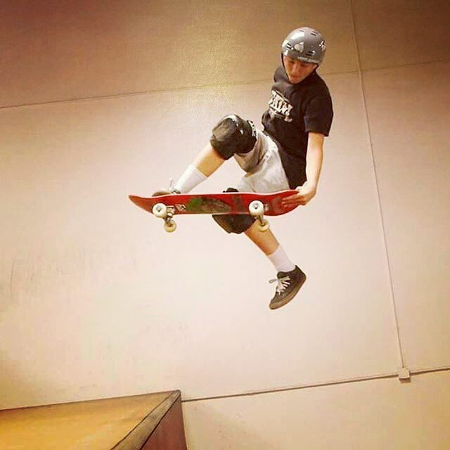 @kriswilcox56wagon Nice Madonna Academy skatepark @moonshineskateboards @predatorhelmets @vert_jungle @fatalclothing @riptidesports @randomshardware #Regrann