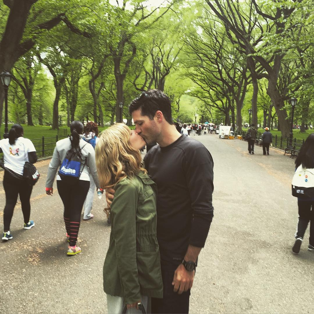 It's just a Sunday kind of love ❤️ #nyc #engaged #sundayfunday #centralpark #love