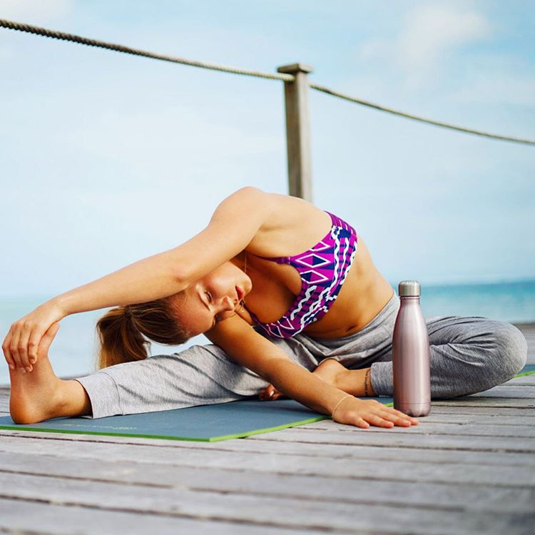 When in doubt, stretch it out. Where will your practice take you this weekend? #ROXYfitness