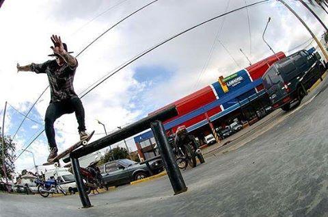 Un feeble grind por nuestro raider @nashprosty  #SpiralShoes #TeamSpiral #Skateboarding #Skateshoes #Skatelife #GoSkate #Skateeveryday