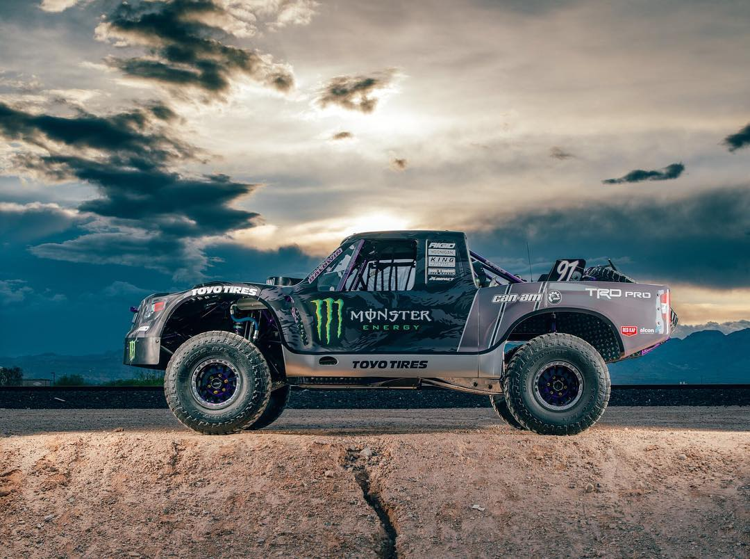 Side profile of @bjbaldwin's new #trophytundra in the Las Vegas sunset.
