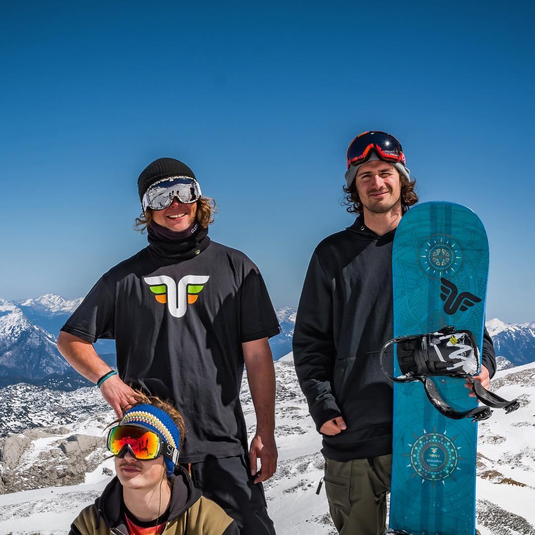 Some of the crew from Thrive Austria Team #thrivesnowboards #relentless #thriveharder #austria #snowboardingaroundtheworld