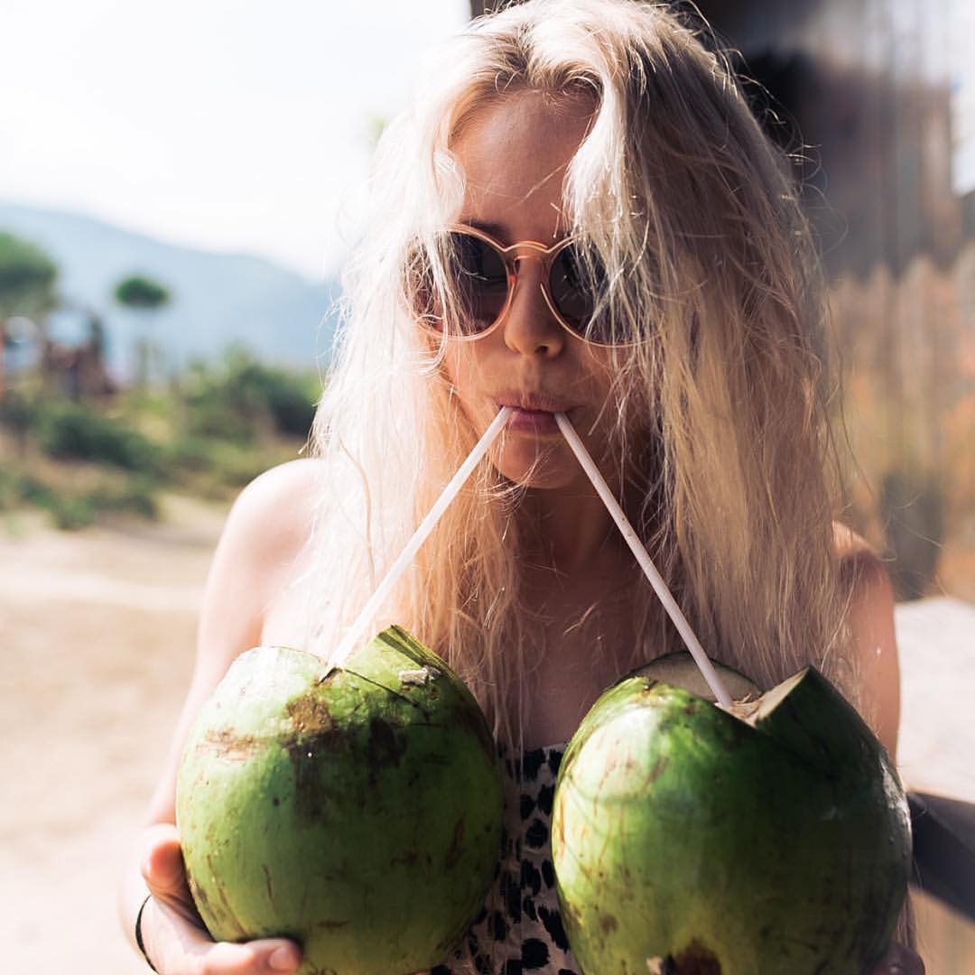 Who's ready for sunny days and drinks on the beach?? @lauraenever got the jump on the weekend and a pair of coconuts.  #SeaSnakes #VonZipper #SupportWildLife