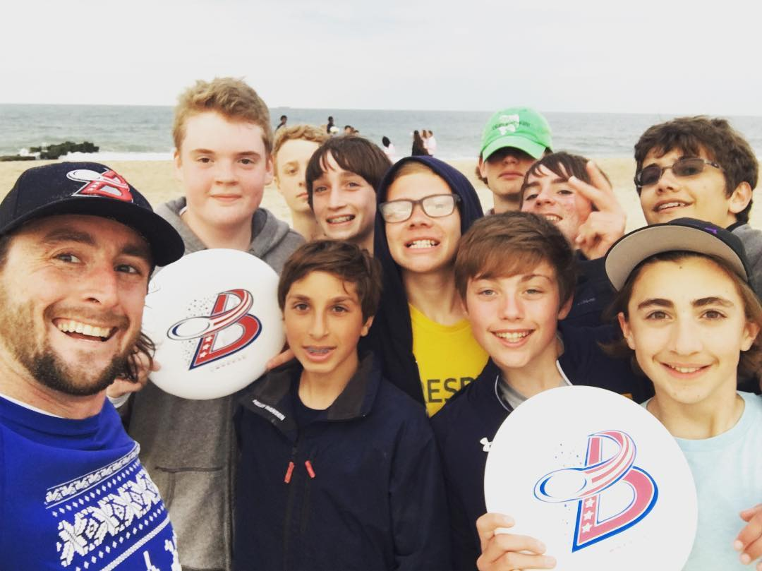 Last meeting of the day - playing frisbee on the beach with 10 new friends! We've got a new generation of #waveborn #ambassadors and @thedcbreeze #fans #spreadthemovement #findthesun #workhard #playhard
