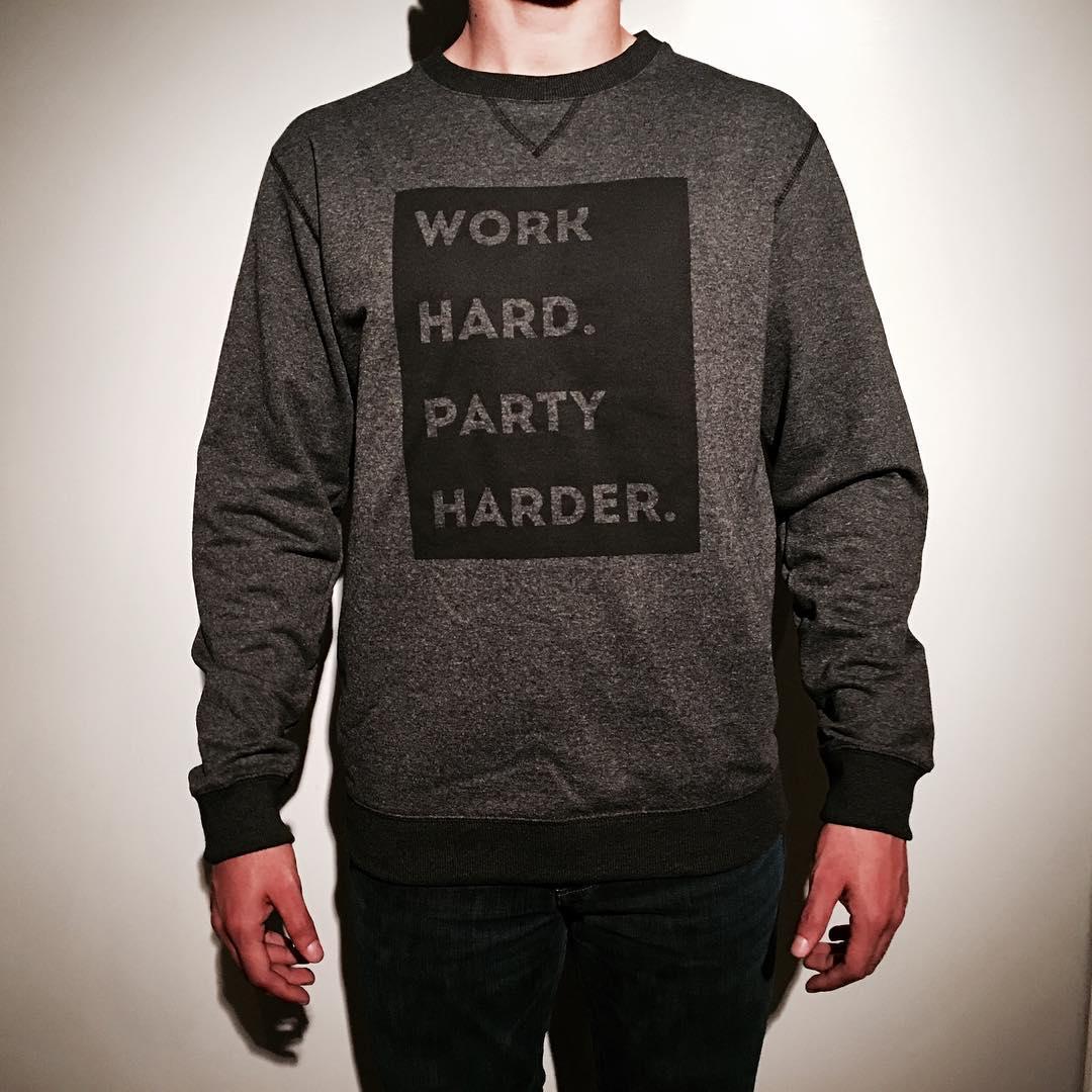 """""""Work Hard. Party FUKIN' Harder."""" Buzo Work ◼️ Disponible en @granadapa @parrot_showroom  #SHOWROOM •Jueves & Sábados• de 17 a 20hs. [Arévalo 1479 """"Timbre 1""""] #YesZigguratYesParty"""