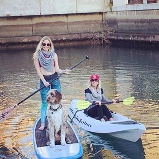 ADVENTURES ARE BEST SHARED #repost #waterwoman #wednesday adventures with @kmoo88 & friends #mindfulmay #wcw #giveaway #sup #kayak #sea #street #studio #adventures #OKIINO