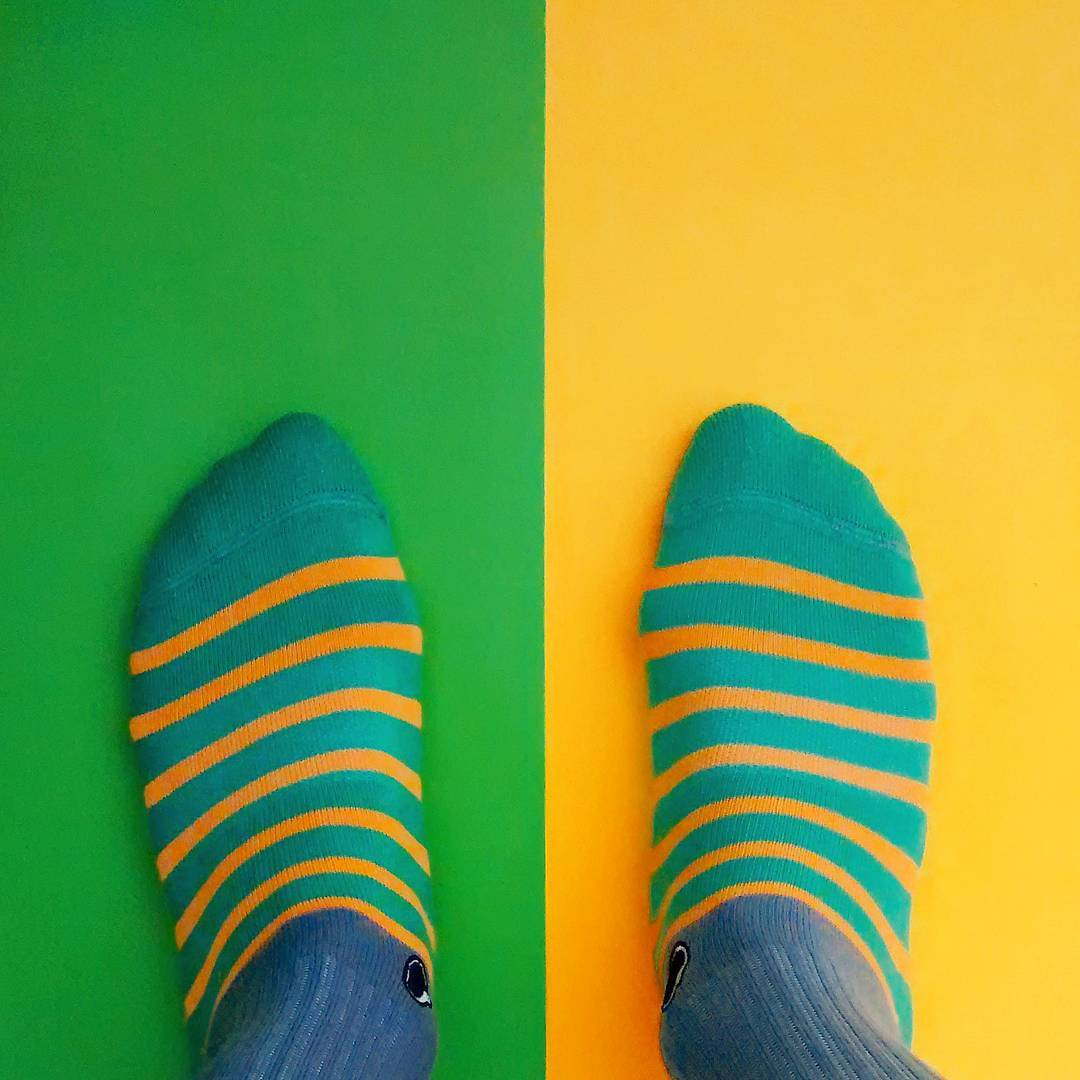 A un paso de empezar una nueva semana, decidí con qué Oliver Socks vas a crear tu propia historia mañana. . . #OliverSocks #Oliver #Medias #CreaTuPropiaHistoria #MrGrey #Domingo #Color #Diseño #Complementarios