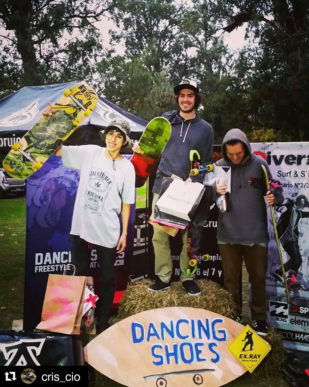 @cris_cio Otro finde otro podio!  2° Segundo puesto Open Freestyle  en La plata #DancingShoes !  Gracias a mis sponsor por la ayuda! #SlySkateboards #TricomaClothes @recycledsunglasses  #Griwer #Irukandji #pfpucks #Longshop