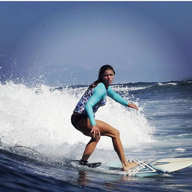 @olasazules in our Shortboarder rashguard!