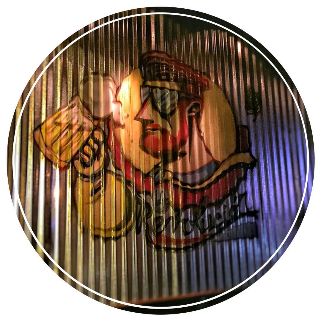 Rock & Beer #graffiti #graff  #beer #beardshit #vans #scottishbarber #newyork #manshit #teardrops #bearded #proclub #barber #thegreatfrog #barberlife #scottish #westcoast #earning #lifestyle #eastcoast #earned #heineken #alwaysworking #grinding #beer...