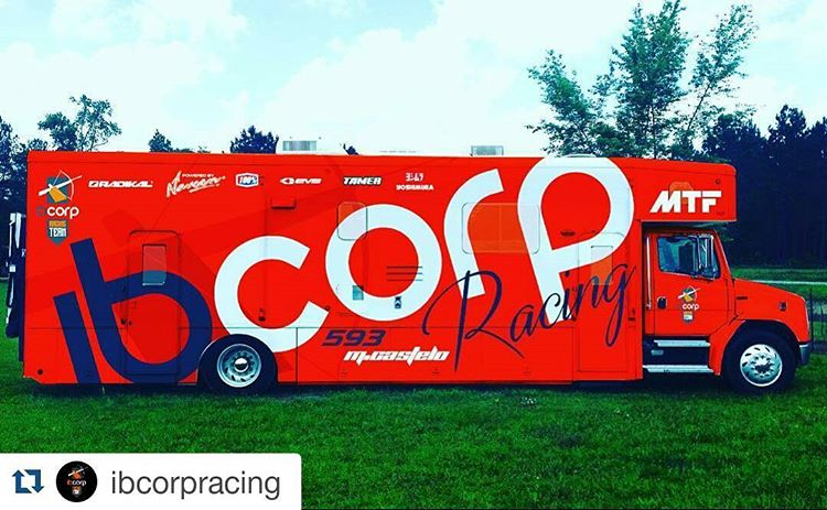 Todo listo junto al Ibcorp Racing Team y @mcastelo30 para estos Outdoors 2016. #Repost @ibcorpracing with @repostapp ・・・ Our new truck for outdoors 2016 #motocross #moto #motocross @radikalracing @mtfmx