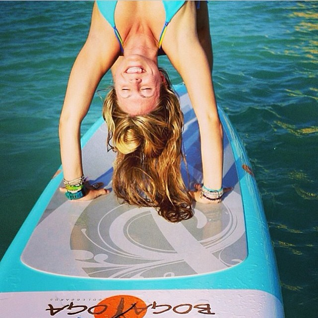 Our Mondays are much better when we see #miolainaction Regram from yoga girl. #miola #miolainthewild #yogaeverydamnday #bogayoga #supyoga #sup