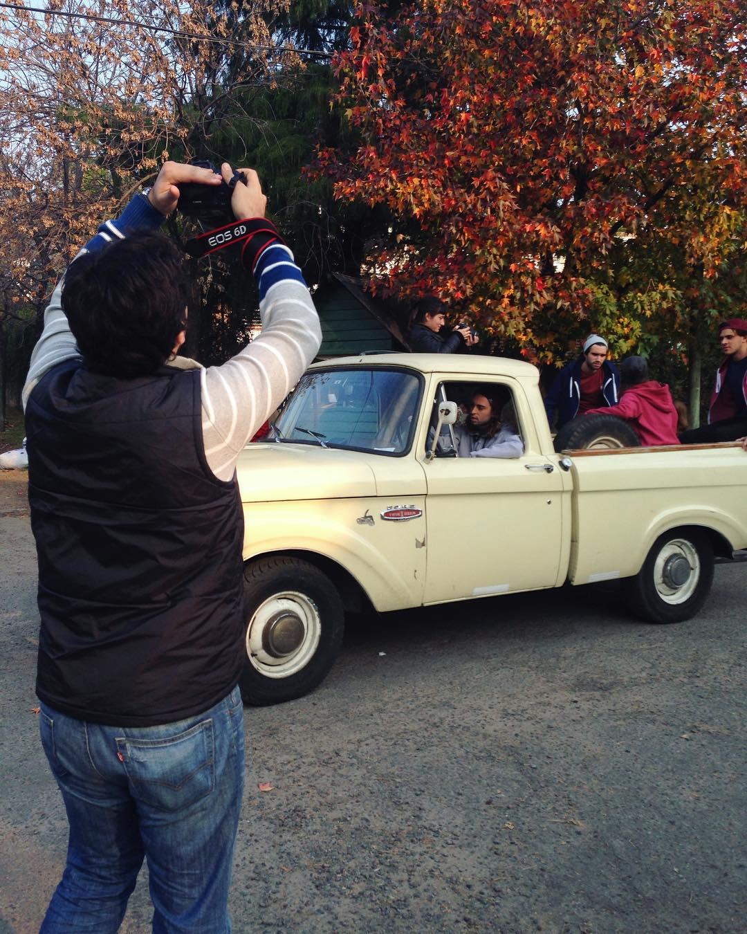 En plena producción de otoño invierno de Bull Rider! Un crew increíble de modelos, fotógrafos, riders... No se pierdan lo nuevo que se viene: buzos y Beanies #fotos #winter #thecrew #f100 #V8 #twinIbeam #1967 #vintage #truck #ford