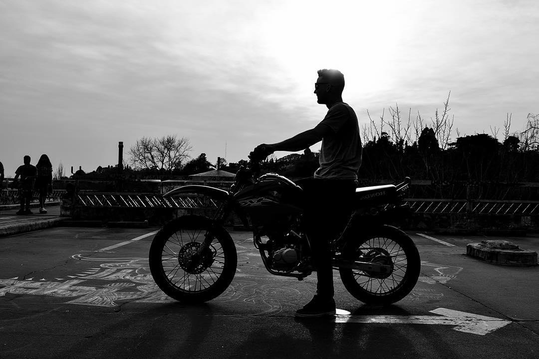 Sale o no sale el sol? No importa mientras tengas tu Bull Rider y hoy estamos de feria! #feria #Rider #ride #bike #honda #stunt