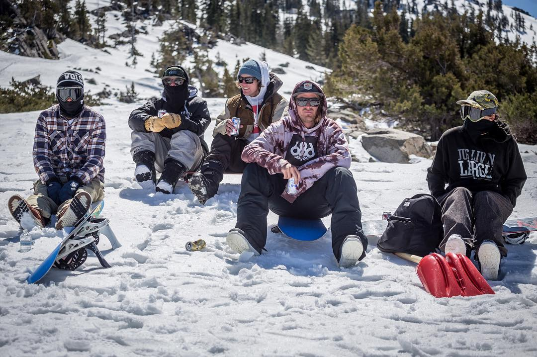 The crew posted up in the Tahoe backcountry @anthony_mazzotti @ryan_tarbell @roycephotogs @instatrap @lenzel_bossington