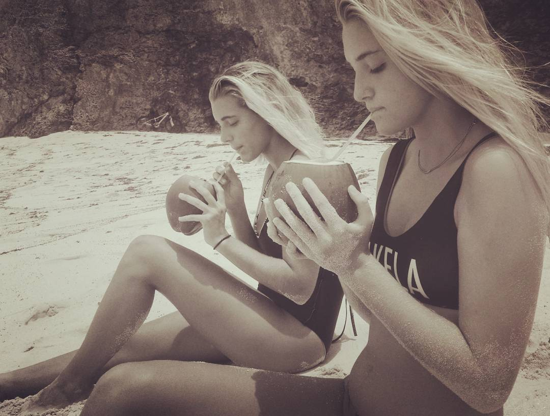 #AkelaSurf Lost in #paradise Ambassadors @oliviawardenn & @jodieburkie #barbados