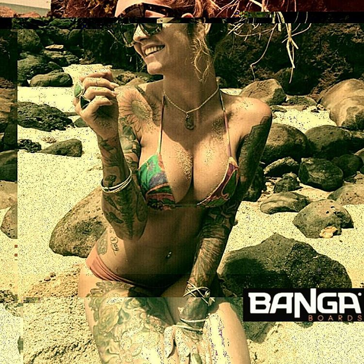BANGA!  #bodyboard #bodyboarding #surfing #surf #outdoor #good #goodpeople #fun #longboard #like #love #smile #summer #summertime #potd #instadaily #amazing #tbt #tattoo #bestoftheday #tattoogirl #skate #beyourself
