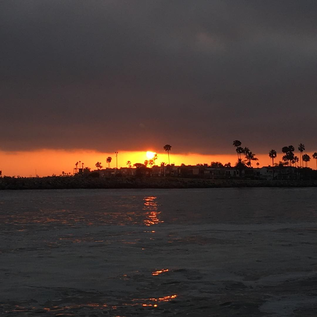 Sunset at the channel in Big Corona.  #channel #sunset #bigcorona #cdm #coronadelmar #newportbeach