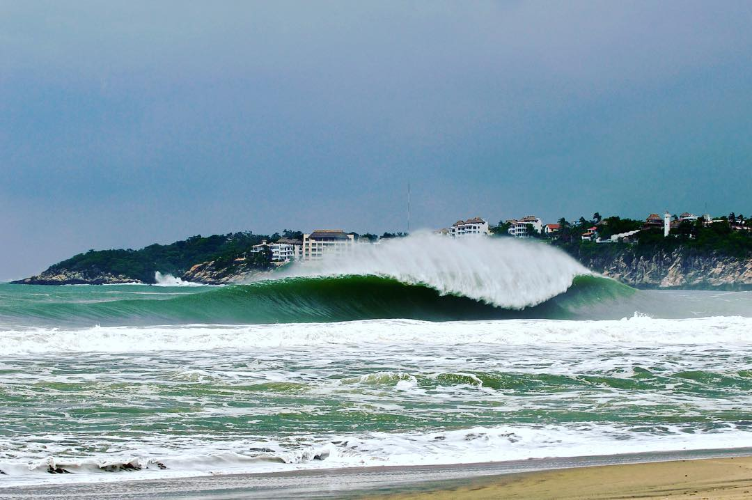 Green light for the @wsl Puerto Escondido Big Wave World Tour event on Friday/ Saturday. Get ready folks!