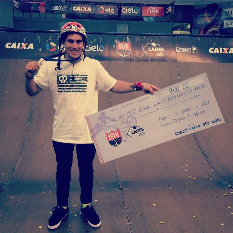 Nuestro Rider @brianboghosian finalizó el contest #bmxsuperspine #BSS #bmxbrasil en Brasil - Lages y logró 6to lugar ' categoría  Profesional