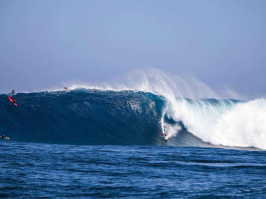 @whoisjob full power at Peahi  #allthingswater #bodyglove  www.bodyglove.com