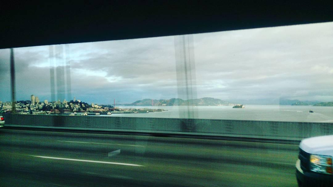 De fondo se ve el #GoldenGate y #AlcatrazIsland Hola #SanFrancisco #California #USA