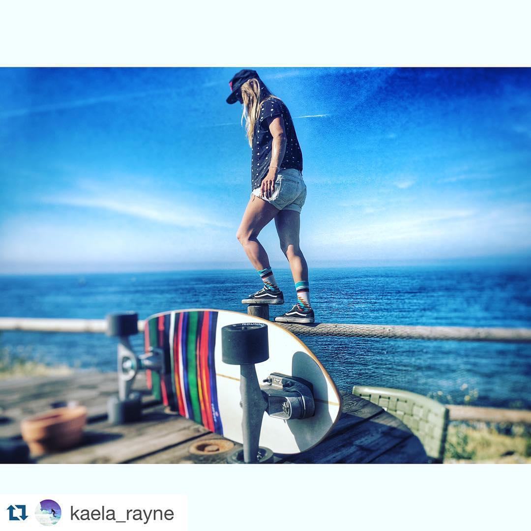 #Repost @kaela_rayne with @repostapp. ・・・ Sunday Feels Skating Hills #skatehappy #wheremyvansgo #carverskateboards