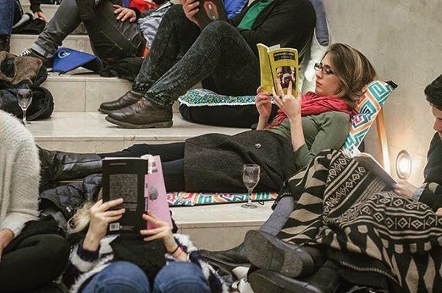 Acompañando El primer Winter Reading Party organizado en el Museo de Arte Latinoamericano de Buenos Aires (Malba)  Leyendo #trancastyleliving  @museomalba @chillydesign