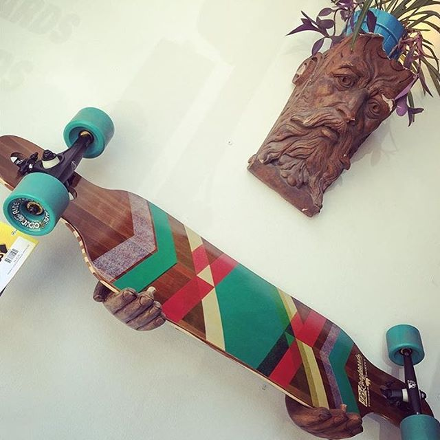 The skate gods approve of our Pioneer drop-through cruiser at @fargoskateboarding! If you are near DeKalb, Illinois make sure to swing through and snag a new skate for summer! #dblongobards #longboard #goskate #cruiser #fargoskateboarding