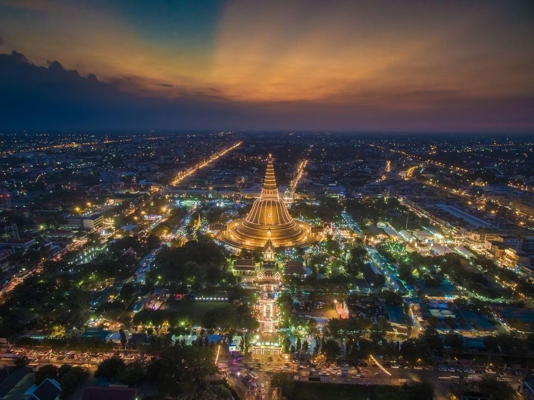Phra-Pathom-Chedi #Thailand  Credit: Payont Thanasatirakul (@payonsk) | #SkyPixel  skypixel.com/photos/phra-pathom-chedi-thailand
