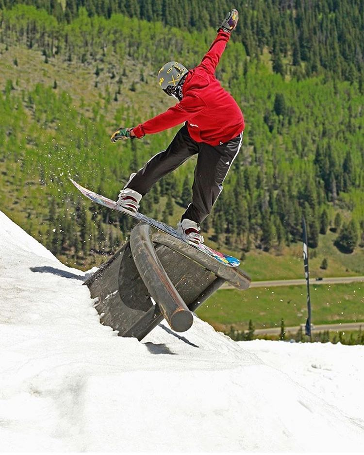 @woodwardcopper is going OFF and @thabyron_ma is taking full advantage.