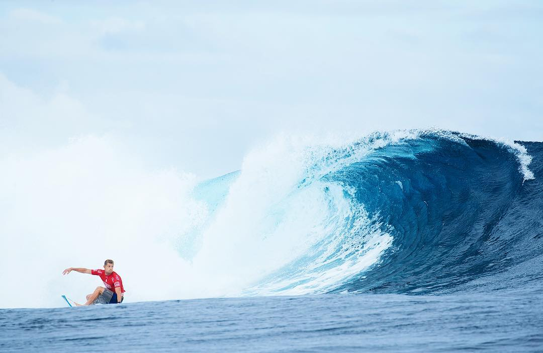 @mfanno puts the jersey back on for the #Fijipro and is into round 3!