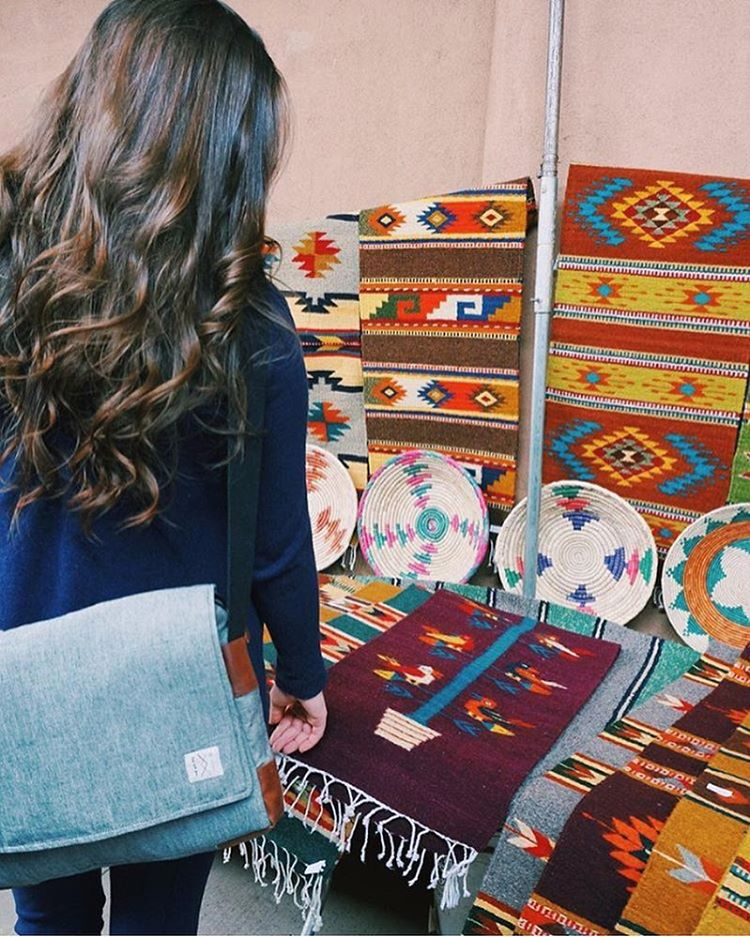 Sunday perusings in Santa Fe. Gotta love the Navajo weaves in the Southwest. #estwst #connectglobally #traveloften