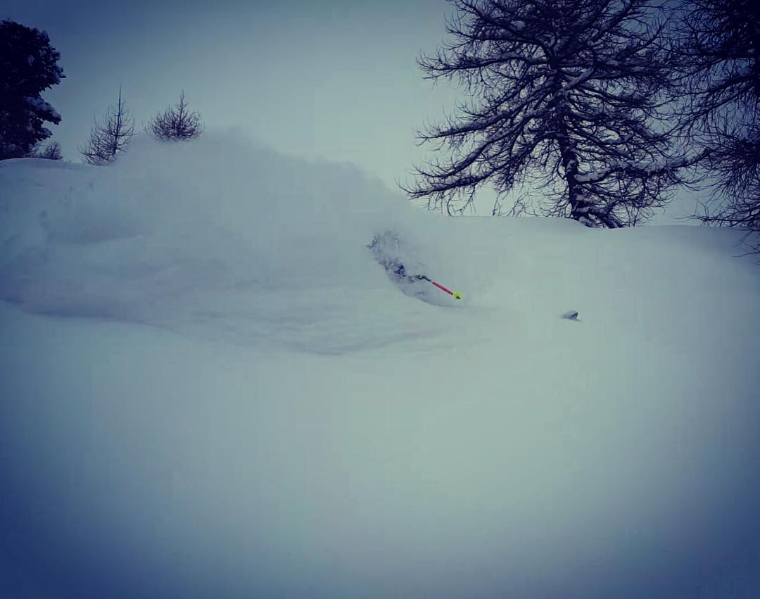 A little pow shot from a new friend @jakobb.n  #embracethestorm | #flylowgear