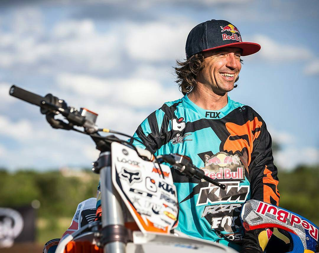 @foxheadinc -  Happy Birthday to our dude @ronnie_renner hope you have a great one! #foxracing #foxfamily