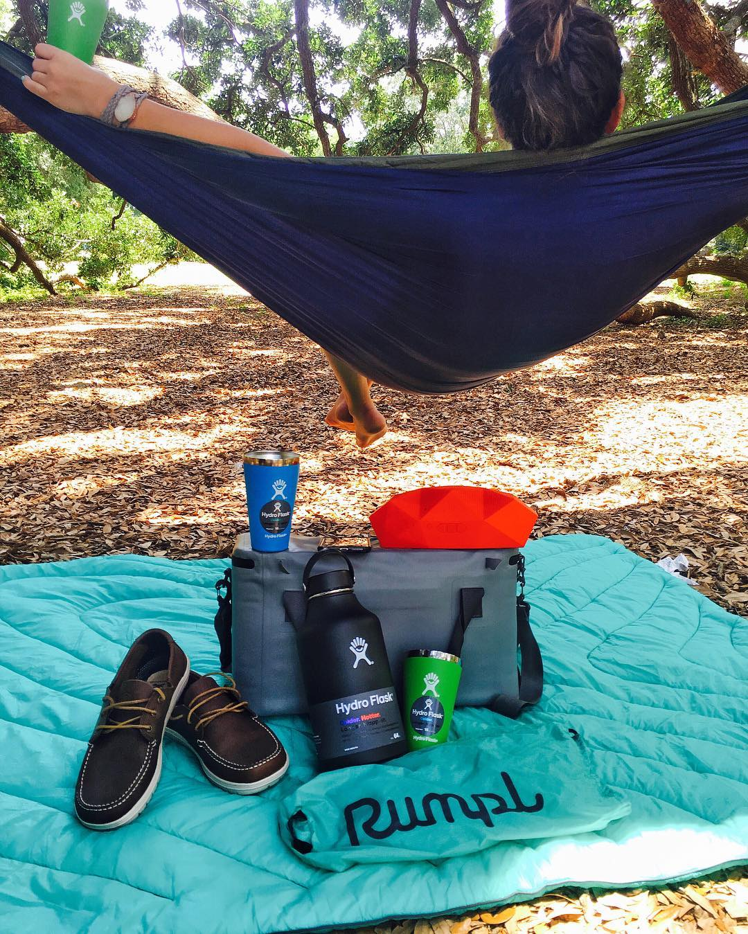 GIVEAWAY! To celebrate the longest day of the year, we are giving away an awesome #summersolstice prize package that will make you want to take your party outdoors all day long. To enter, all you need to do is:  Follow @hydroflask, @enohammocks,...
