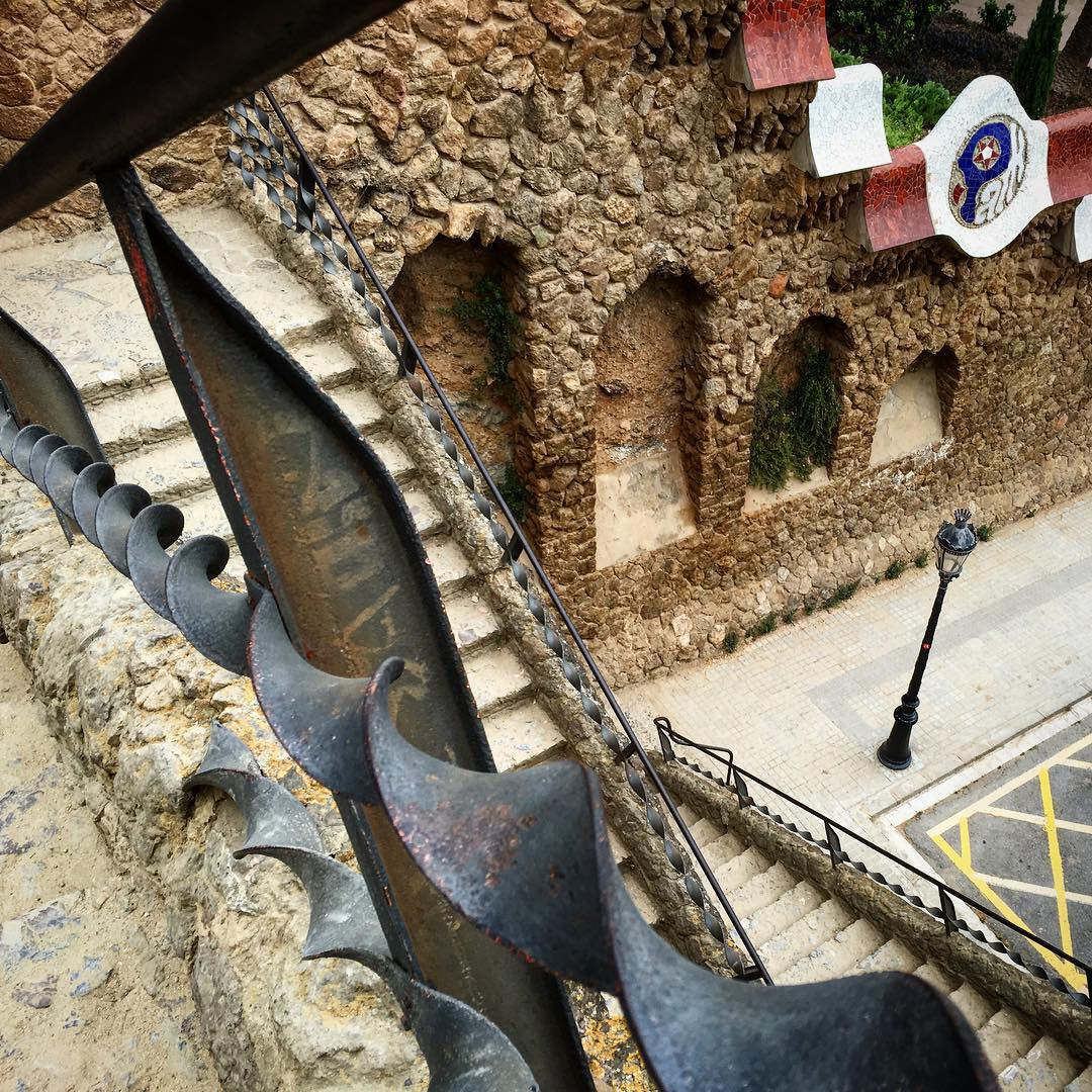The beautiful twisted metal from Gaudi at Parc Guell in Barcelona. We witnessed so much art from Gaudi throughout the city and all of it was incredible! Now to have authentic Spanish paella on the coast! #travel #traveler #traveling #explore #adventure...