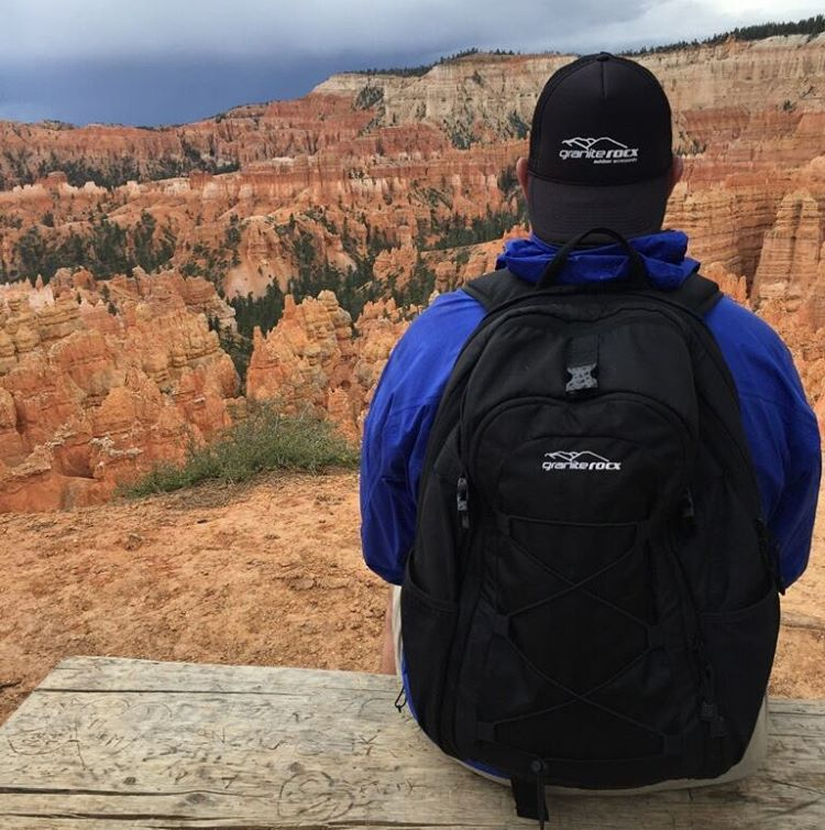 Have you been to Bryce Canyon? Hiking the canyon with the Tahoe. Thanks for the awesome shot John! #hiking #nationalparks #getoutside #adventure #xplorewild #backpacks #graniterocx #outdoorsrocx