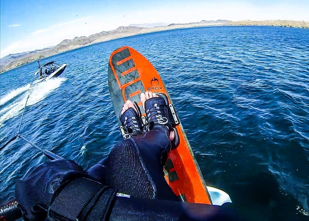 Warm weather & @skyskihydrofoils on my mind.... It's windy & chilly in the #Sierras right now & my brain is drifting to memories of flying over #LakeHavasu a few months ago.  @hiballenergy | @centurionboats | #teamcenturionboats | @bodyglove53 |...