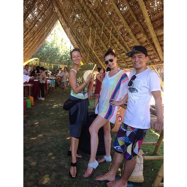 Happy customers at the Sustainable Solutions #ecofest today at @greenschoolbali