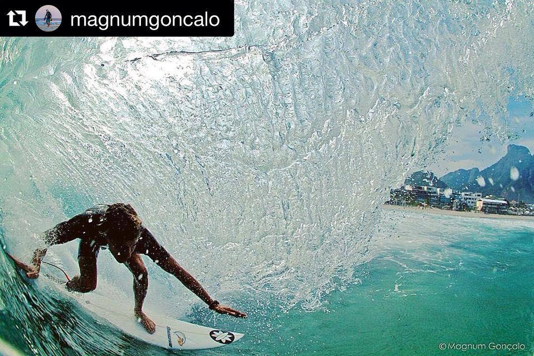 #Repost @magnumgoncalo with @repostapp. ・・・ Outro angulo !!! @erik_murgio Postinho, Barra da Tijuca - RJ