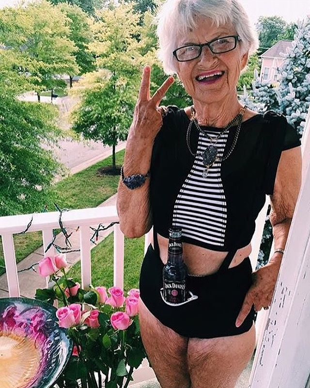 #tbt when Baddie took our overall to the next level @baddiewinkle #whatsinyourpocket