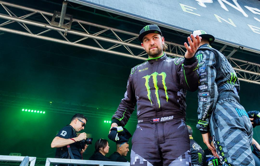 Having a blast toying with the crowd last weekend at the @MonsterEnergy RigRiot!! The @MonsterEnergyGirls prance around and basically do their best to get in the way
