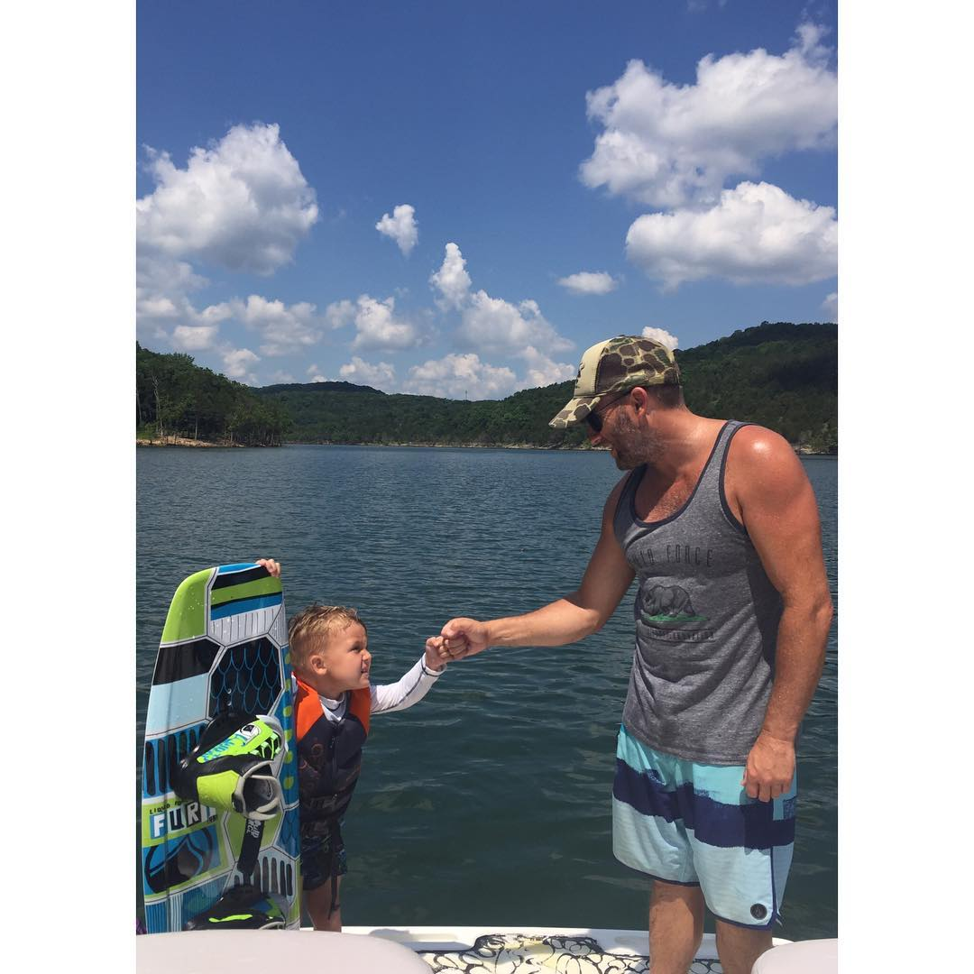 Start the week the right way... Get on the water and share your stoke!  @kurt_robertson24 teaching 3 year old Jack what it's all about #PassTheHandle #enzeelwake